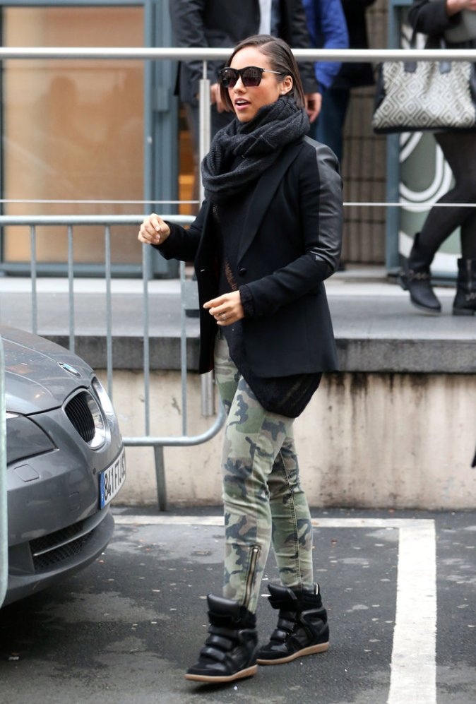 Alicia-Keys-paired-her-Marant-sneakers-camouflage-pants