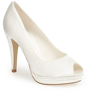 Menbur Julia Peep Toe Pump $153